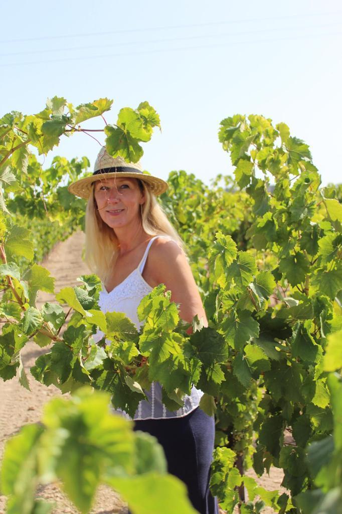 Esther Zwanink Stevens Vin de la Femme